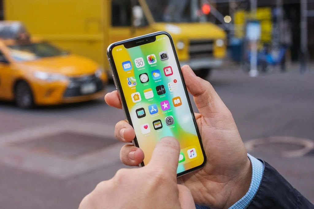 After the lauch of iPhone XS and XS Max, Apple Goes back making iPhone X back again